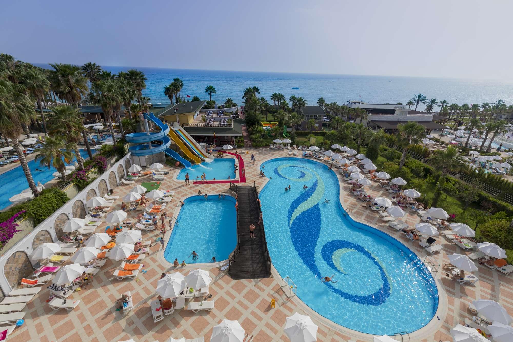 Holiday Garden Resort 5*  - 425 EUR